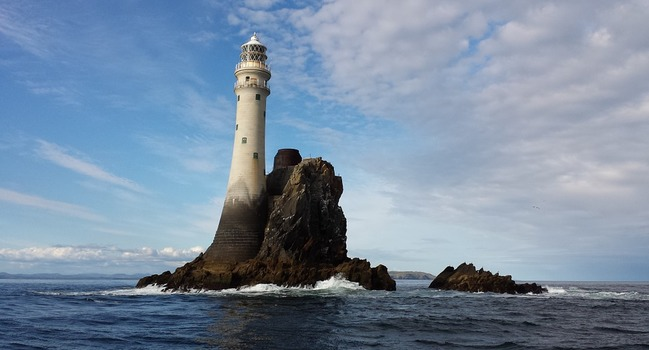Wide_lighthouse-934175_960_720